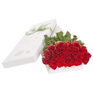 trandafiri-rosii-la-cutie-uGicv