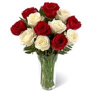 buchet-romantic-de-trandafiri-rosii-si-albi-4n5dfknkom
